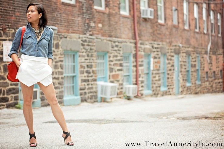 Travel and style. OOTD Chambray and Skorts