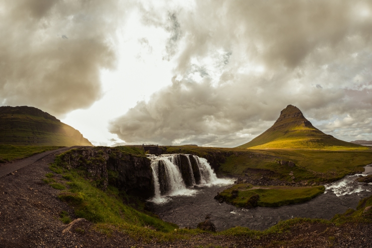 0531_ICELAND_WATERFALLS__BEMOREMEDIA_20170715-Pano_FINAL_COLOR_SMALLER_SIZE.jpg